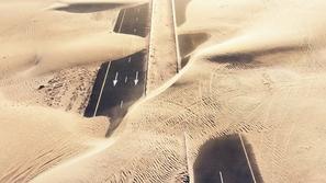 20 amazing aerial photos showing the desert dominating Dubai
