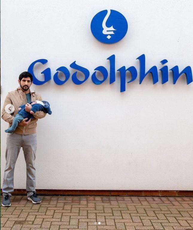 Sheikh Hamdan Takes His Baby Twins Abroad