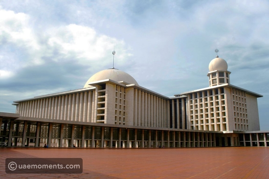 TOP 10 LARGEST MOSQUES IN THE WORLD