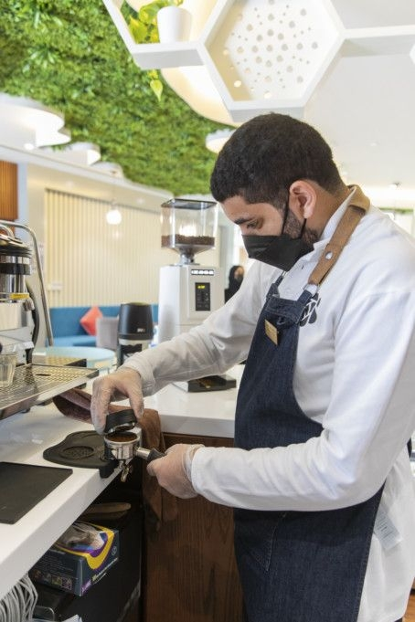 Bee Cafe To Be Run by 5 Emirati People Of Determination