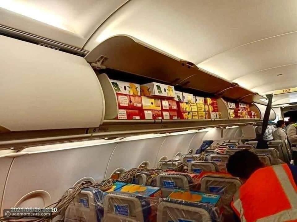 Pictures: A Pakistani Flight to Dubai Filled With Mangoes!
