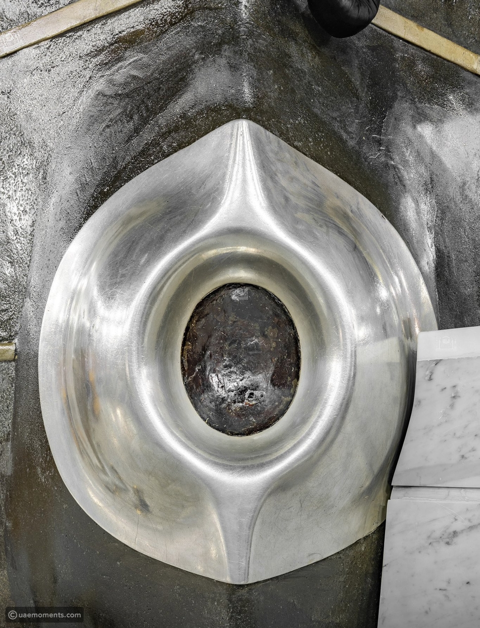 Never Seen High Resolution Pictures of Al Kaaba's Black Stone